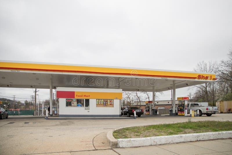 Gasolinera de Shell fotos de archivo libres de regalías