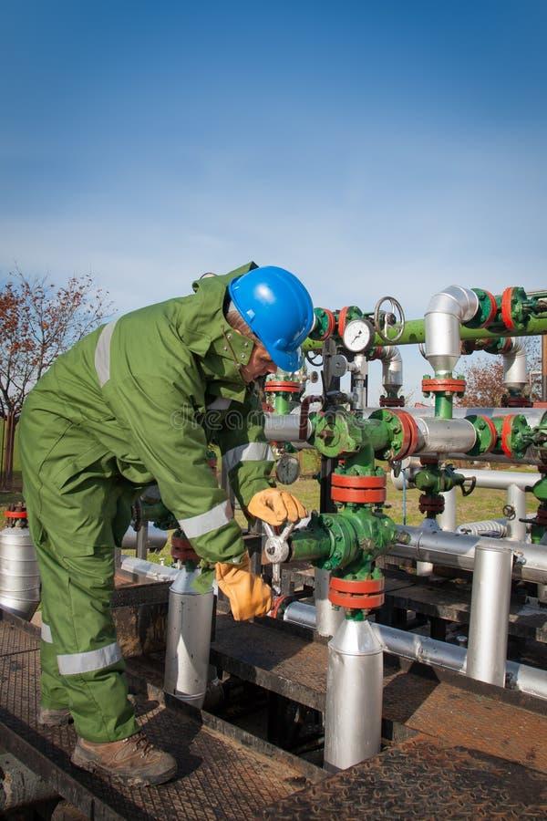 Gasproduktionoperatör arkivbilder