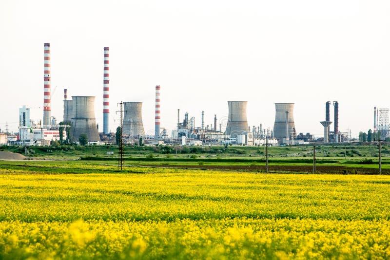 Gasraffinaderi Ploiesti Rumänien royaltyfria bilder