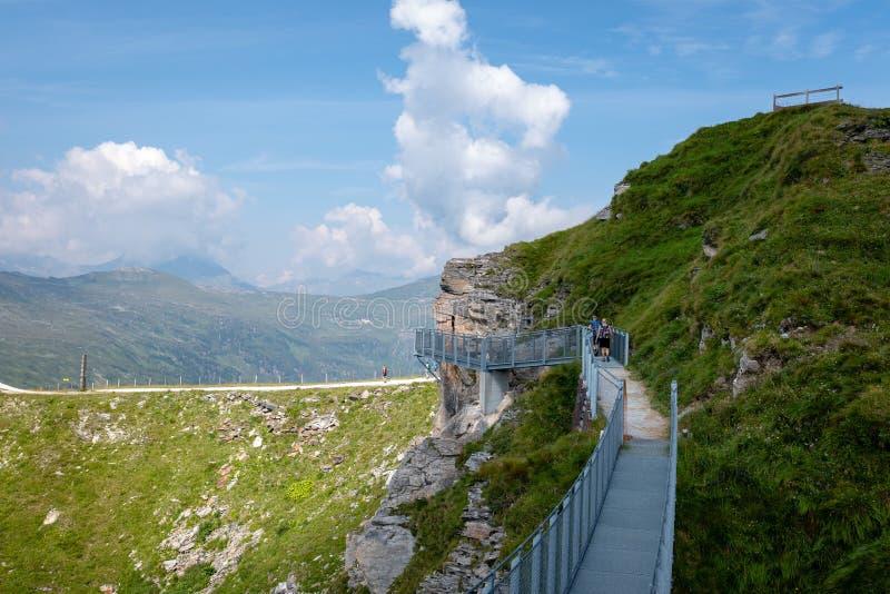 GASTEIN MAU, ÁUSTRIA - 6 DE AGOSTO DE 2018: O Stubnerkogel em Gastein mau Almorama, Salzburg fotos de stock royalty free