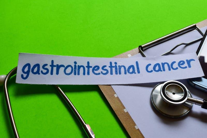 Gastrointestinal nowotwór na opieki zdrowotnej pojęciu z zielonym tłem obraz stock