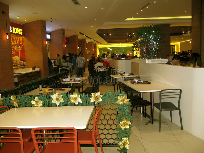 Gastronomiebereich, Mall Venedigs Grand Canal, McKinley-Hügel, Taguig, Metro Manila, Philippinen stockbild