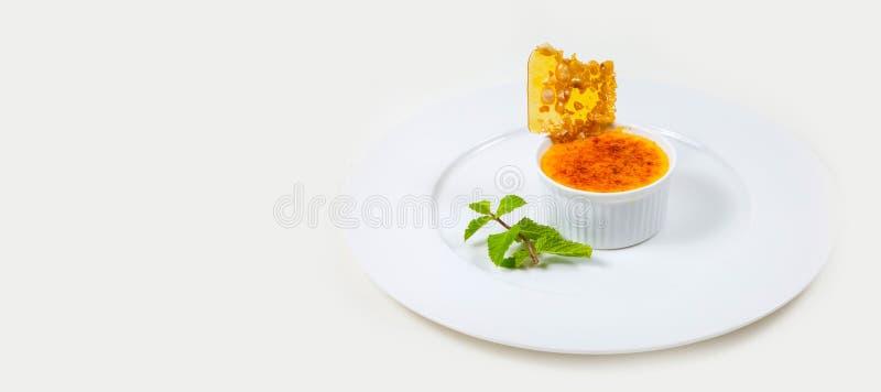 Gastronomisch Barvoedsel op een witte achtergrond stock afbeelding