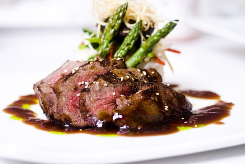 Gastronomisch filet mignon lapje vlees royalty-vrije stock fotografie