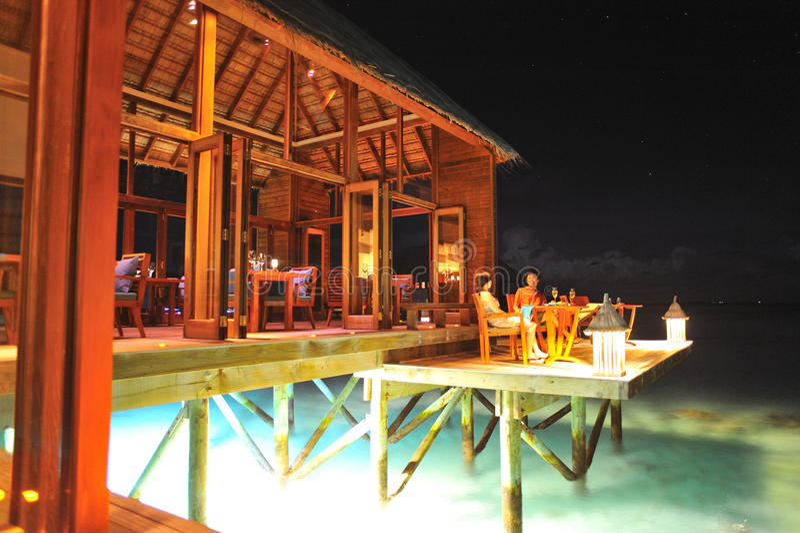 Gaststätte in der Nacht stockfotografie