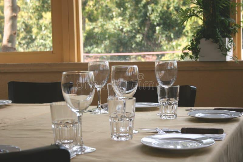 Gaststätte-Tabelle lizenzfreie stockbilder