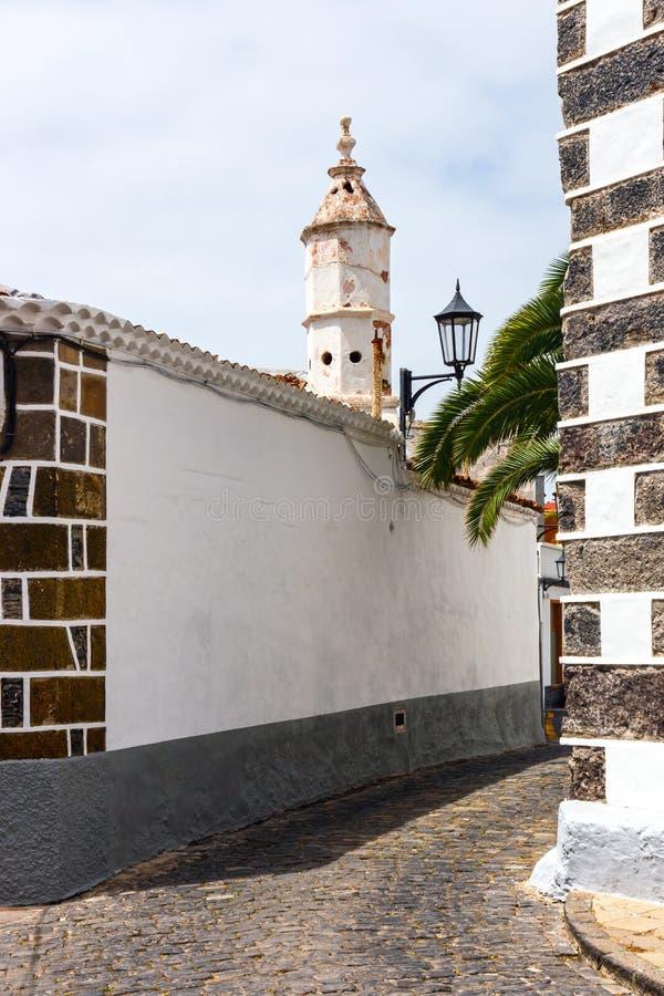 Gata av den Garachico staden på den Tenerife ön royaltyfri fotografi