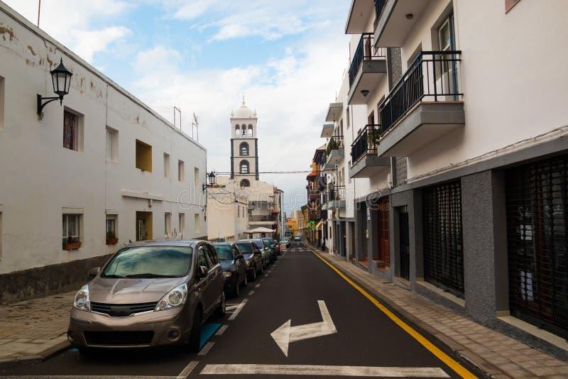 Gata av den Garachico staden på den Tenerife ön royaltyfri bild