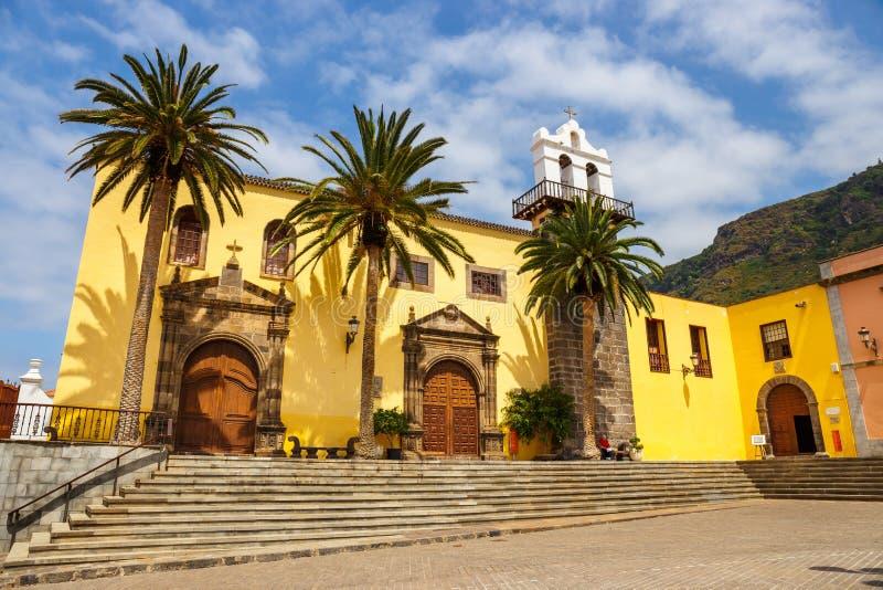 Gata av den Garachico staden på den Tenerife ön, kanariefågel, Spanien royaltyfri fotografi