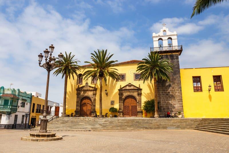 Gata av den Garachico staden på den Tenerife ön, kanariefågel, Spanien royaltyfria bilder