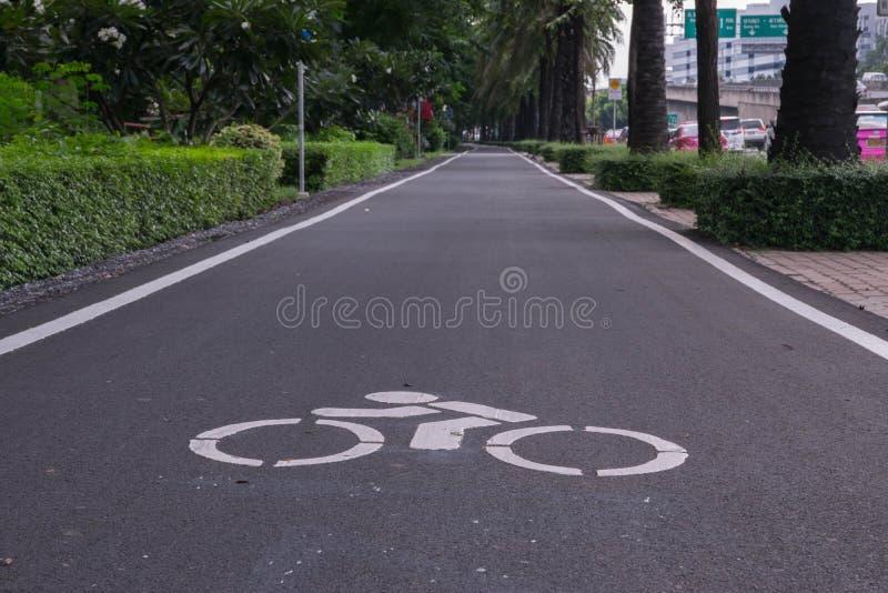 gata för bana för basanaviciauscykelpalanga arkivbilder
