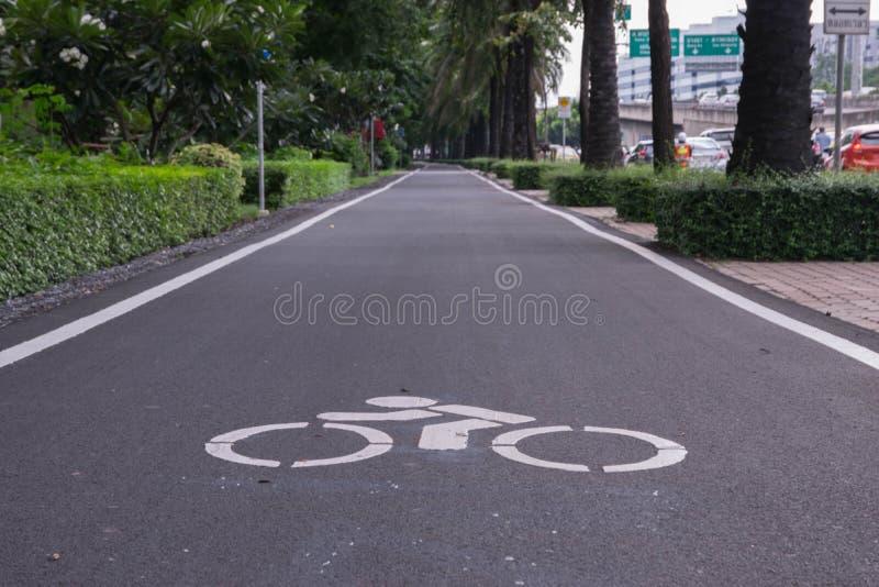 gata för bana för basanaviciauscykelpalanga arkivbild