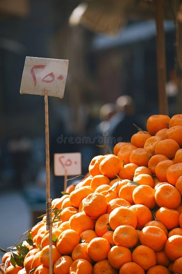 gata för cairo egypt marknadsapelsiner royaltyfri foto