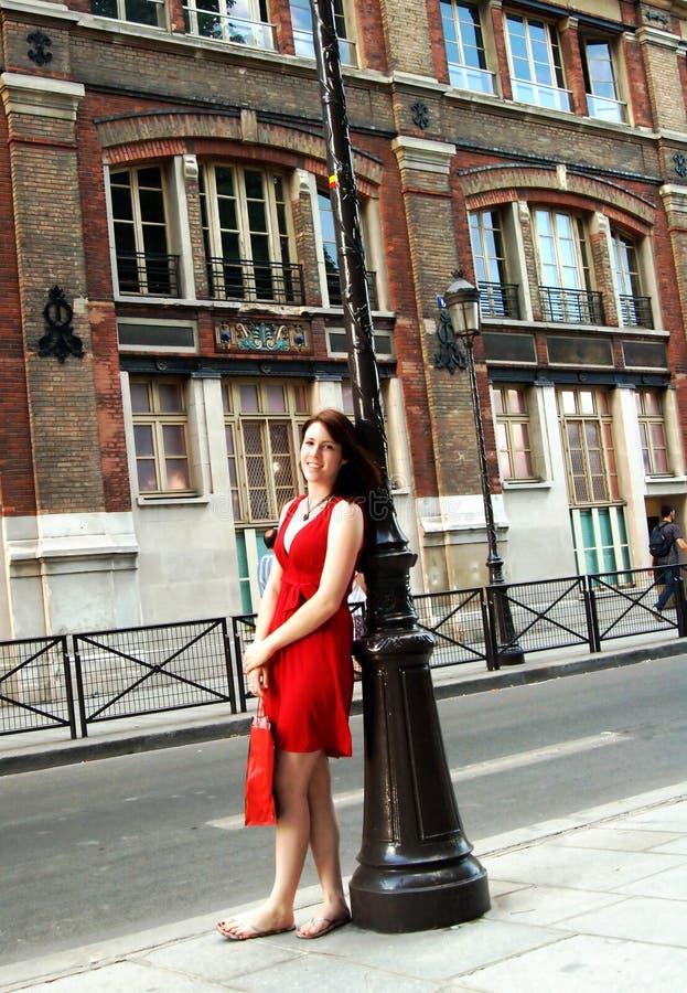 gata för flickaparis shopping arkivbild