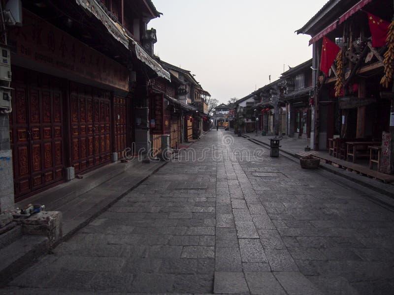 Gata för traditionell kines i den gamla staden Dali Yunnan Province China fotografering för bildbyråer