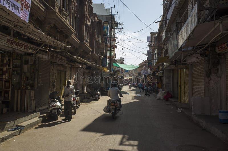 Gata i den blåa staden, Jodhpur/Indien royaltyfri foto