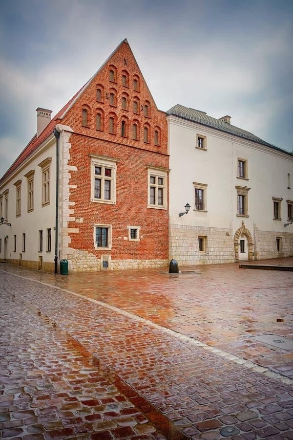 Gata i den gamla staden av Krakow fotografering för bildbyråer