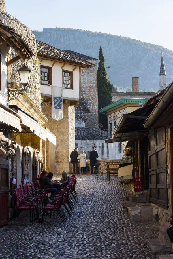 Gata i den gamla staden av Mostar stämma överens områdesområden som Bosnien gemet färgade greyed herzegovina inkluderar viktigt,  royaltyfria foton