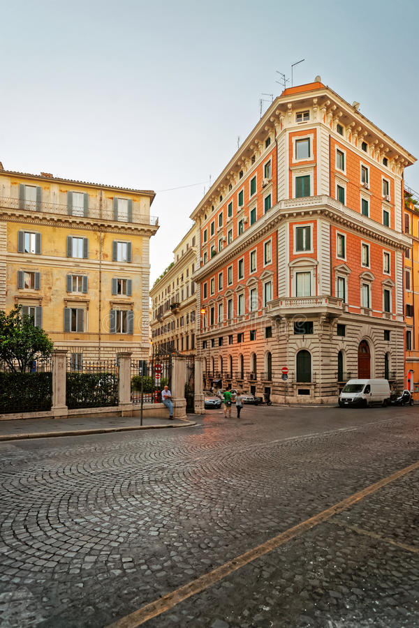 Gata i den gamla staden i Rome i Italien arkivfoto
