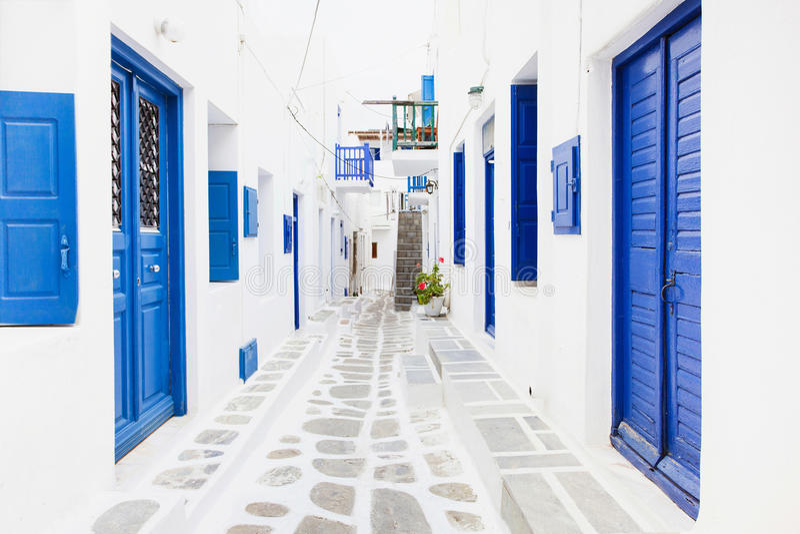 Gata i den Mykonos staden, Mykonos ö, Cyclades, Grekland royaltyfri foto