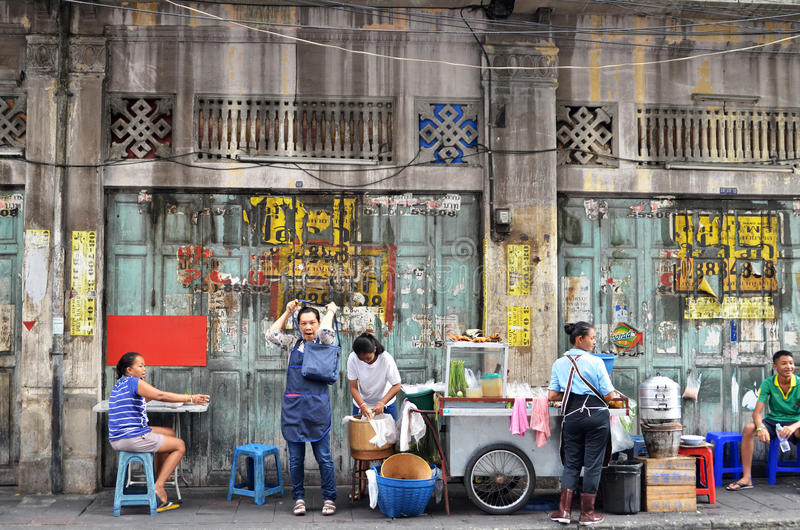 Gata i det chinatown området, Bangkok fotografering för bildbyråer
