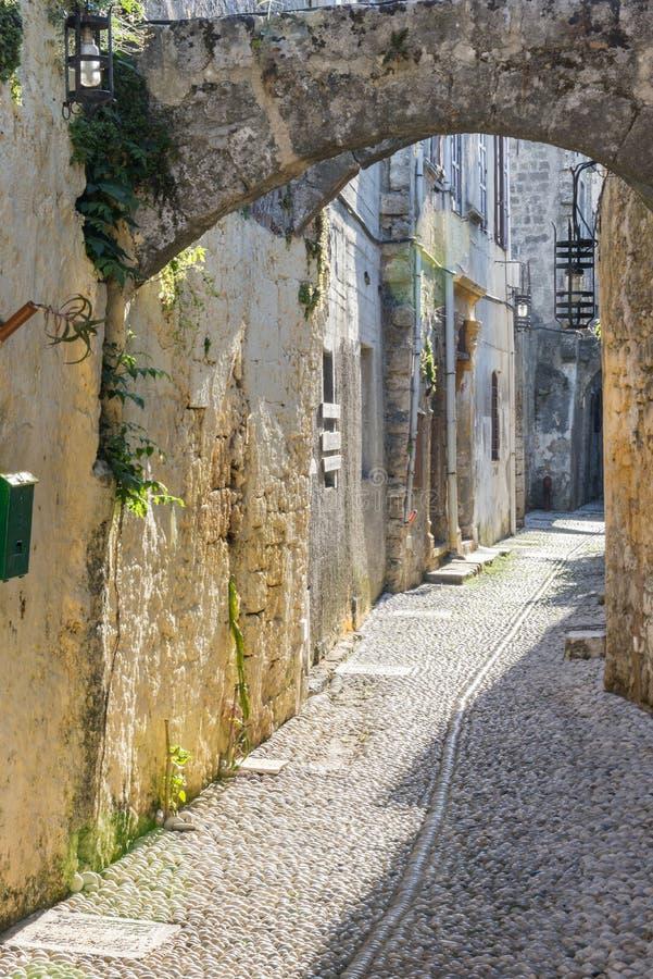 Gata i Rhodes den gamla staden, Grekland royaltyfri fotografi