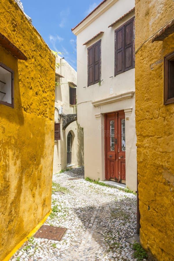 Gata i Rhodes den gamla staden, Grekland fotografering för bildbyråer