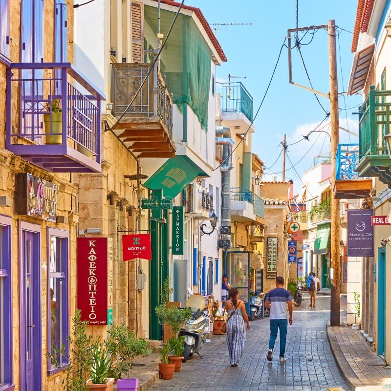 Gata i staden Aegina arkivbilder