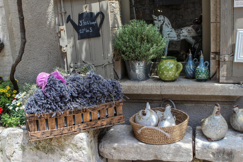 Gata Les Baux-de-Provence, Frankrike fotografering för bildbyråer