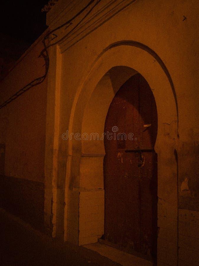 Gata Marocko, blått, medina, marrakech arkivbilder