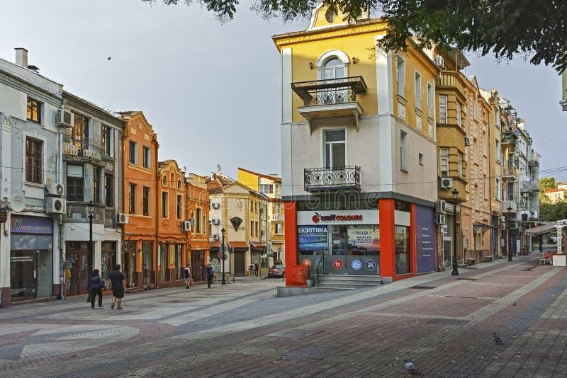 Gata och hus i området Kapana, stad av Plovdiv, Bulgarien arkivfoton