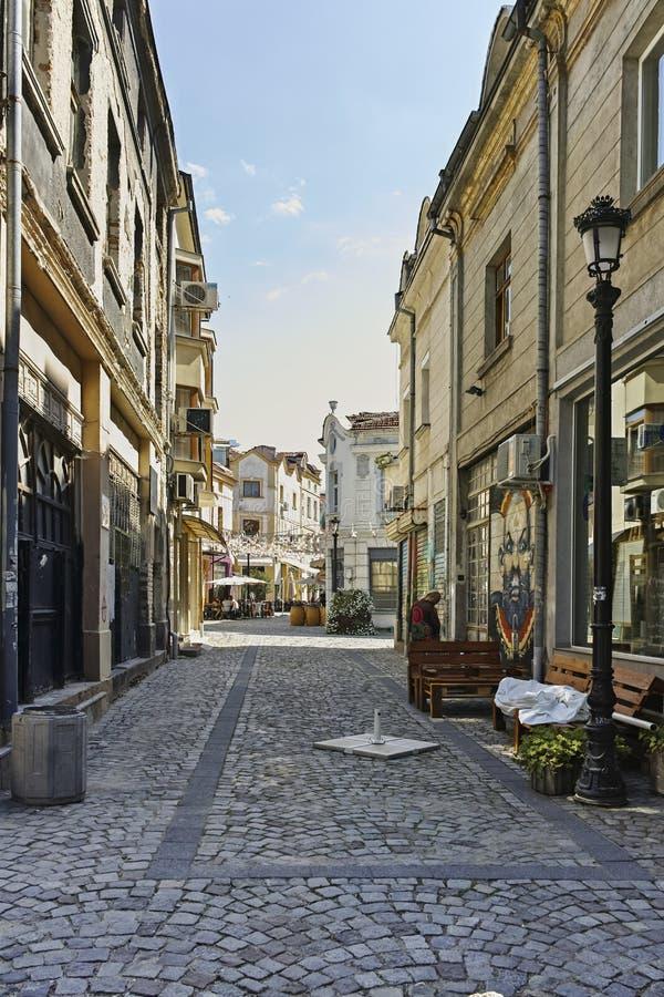 Gata och hus i omr?det Kapana, stad av Plovdiv royaltyfri fotografi