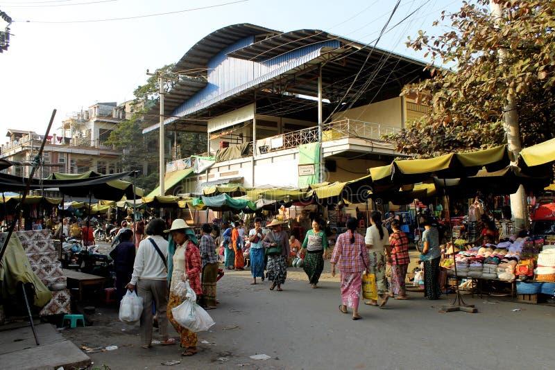 Gata på den Zegyo marknaden fotografering för bildbyråer