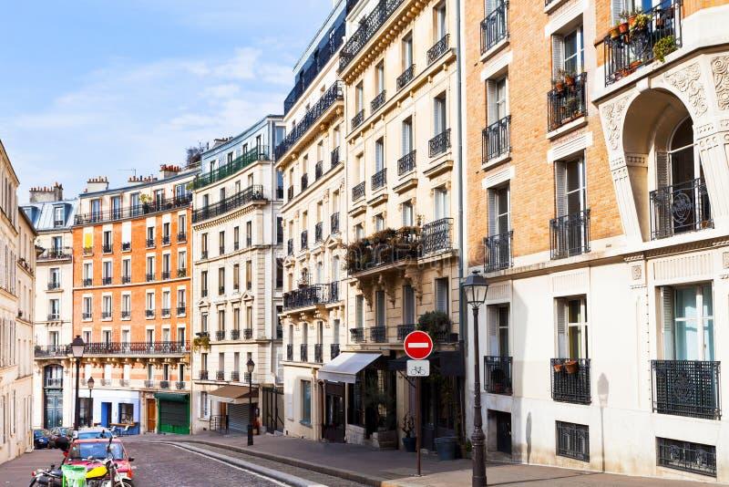 Gata på Montmartre, Paris arkivbilder