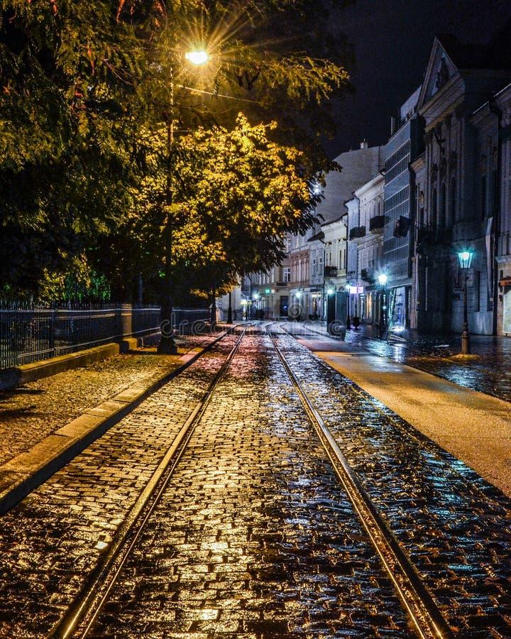 Gata på natten arkivfoton