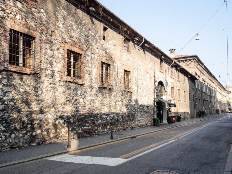 Gata via S Martino della Battaglia i Brescia royaltyfri fotografi