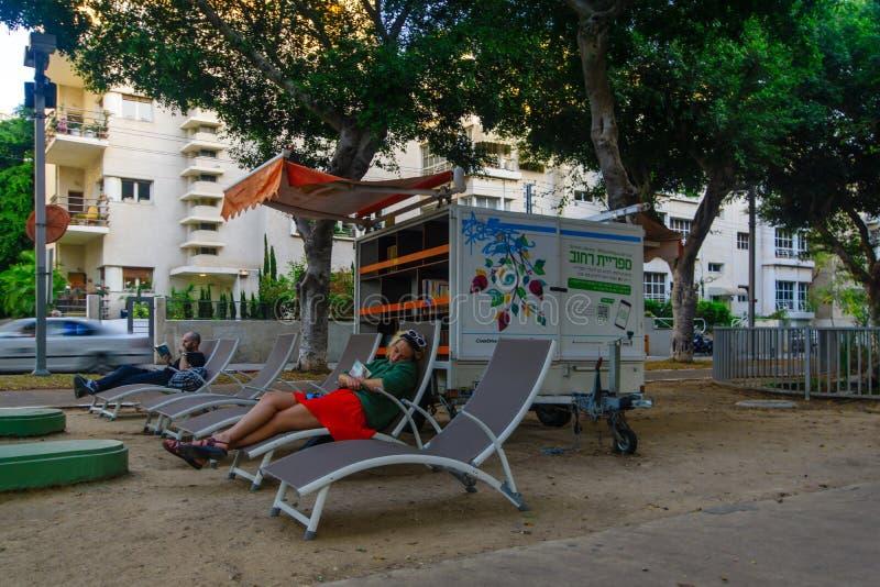 Gataarkiv på den Rothschild boulevarden, i Tel Aviv arkivfoto