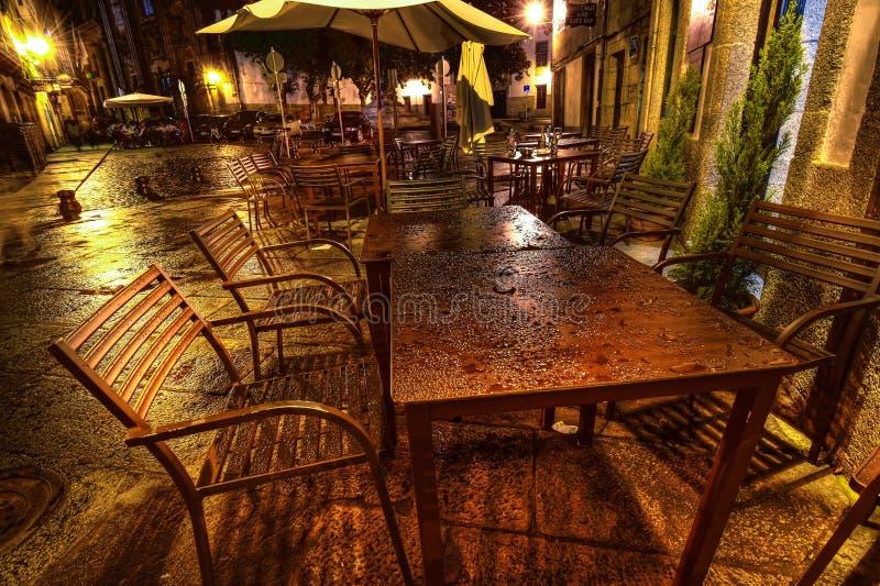 Gatakafé i Santiago D Compostella, Spanien arkivfoton