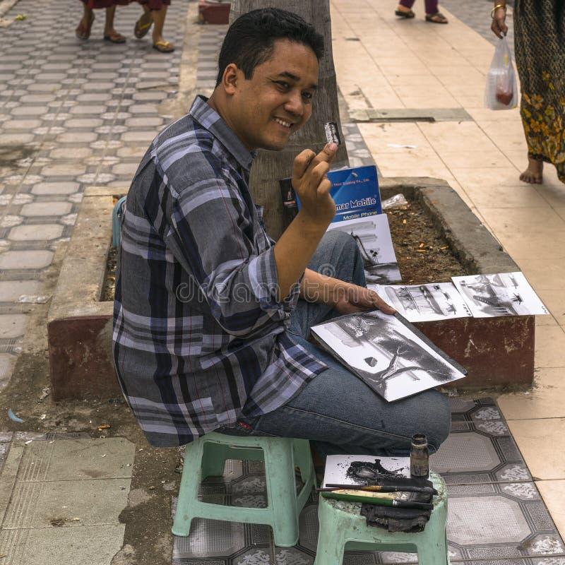Gatakonstnär, målare royaltyfria foton