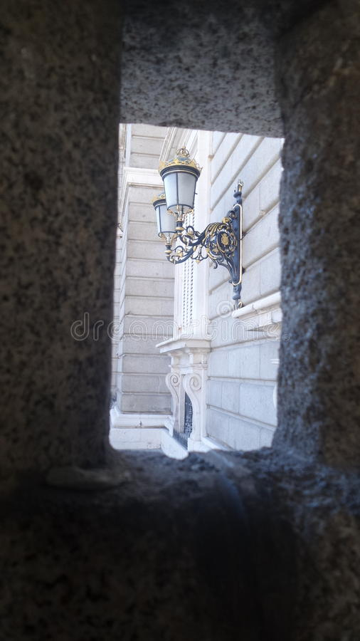 Gatalampa i Madrid royaltyfria bilder