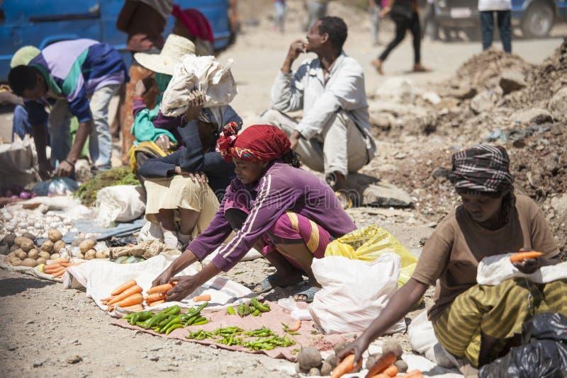 Gatamarknad i Addis Ababa royaltyfri foto