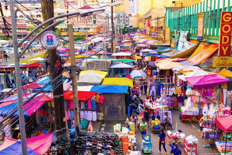 Gatamarknad på kineskvarteret i Manila, Filippinerna arkivbilder