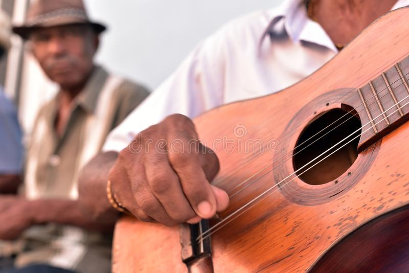Gatamusiker i Trinidad royaltyfri bild