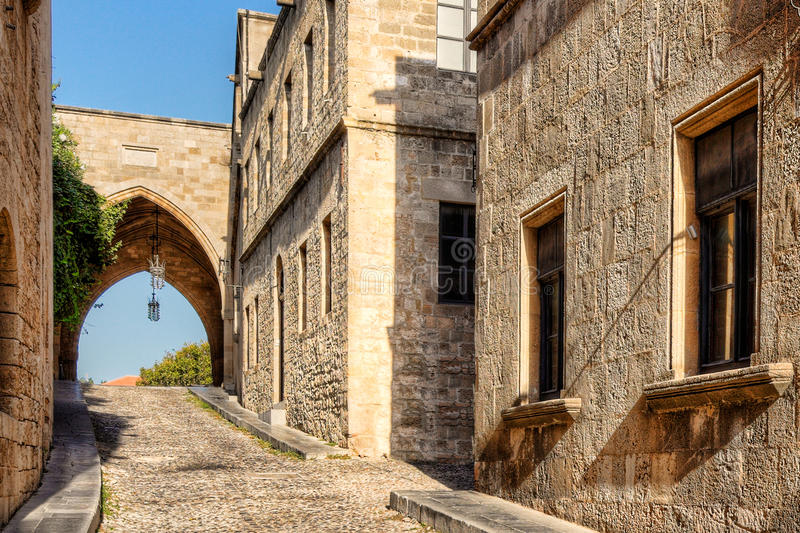 Gatan av riddarna i Rhodes, Grekland fotografering för bildbyråer