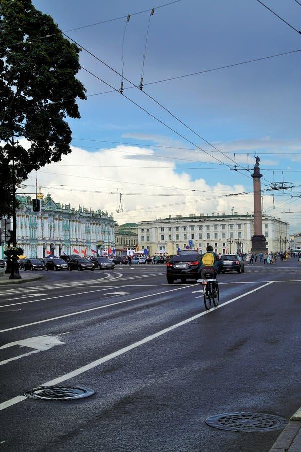 Gatan i cent av St Petersburg arkivbild