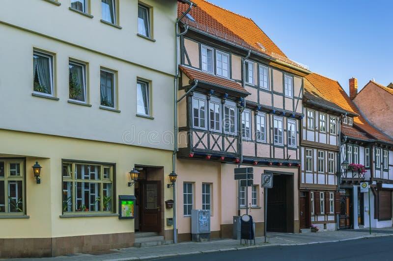 Gatan med korsvirkes- hus i Quedlinburg, Tyskland royaltyfria bilder