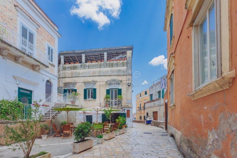 Gataplats av Matera, Italien arkivfoton