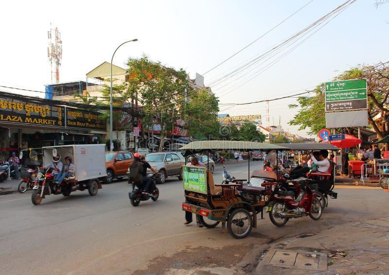 Gataplats i staden av Siem Reap royaltyfri fotografi