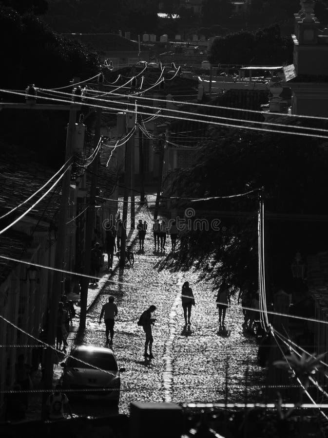 Gataplats på solnedgången i Trinidad fotografering för bildbyråer