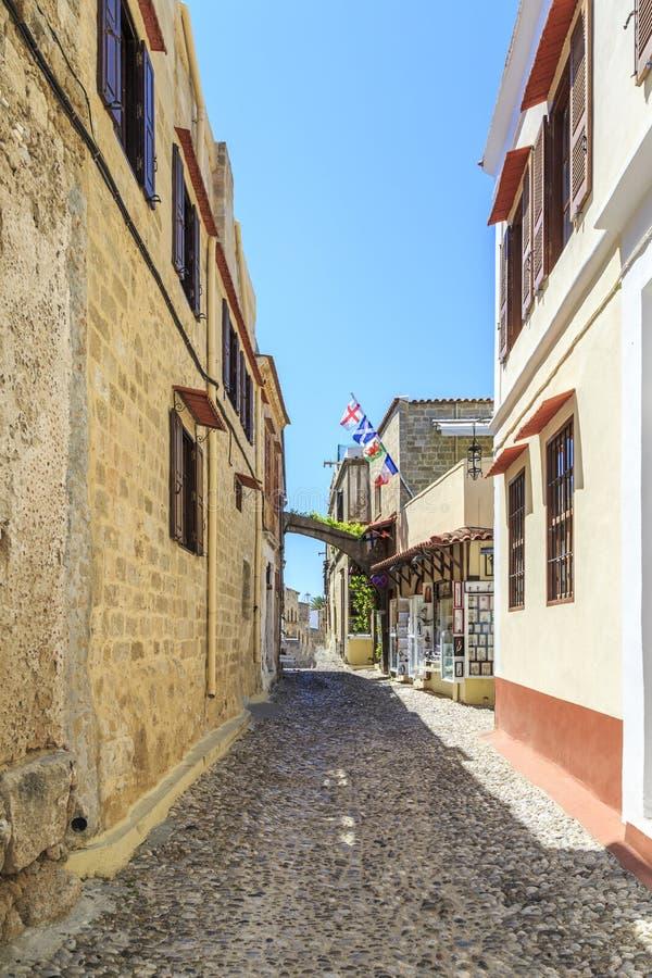 Gatasikt av den gamla staden Rhodes, Dodecanese, Grekland arkivbild